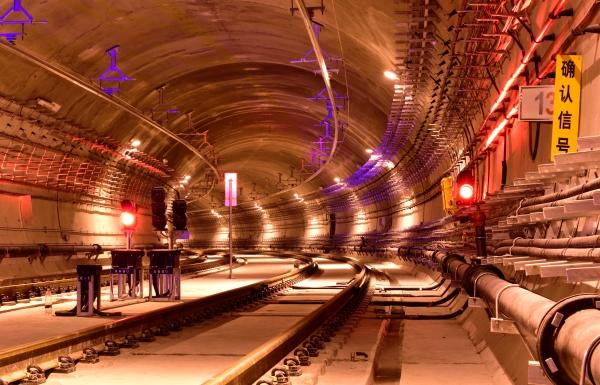 深圳地铁7号线深云车辆段出入线隧道